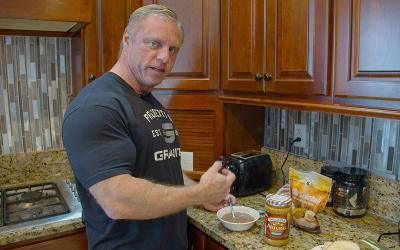 [Video] What Pro Bodybuilders Eat for Breakfast w/ John Meadows