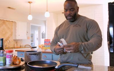 [Video] What Pro Bodybuilders Eat For Lunch with Johnnie O. Jackson