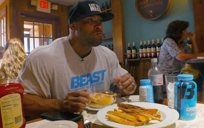 Full Day of Eating With 300lb Beast Athlete Juan Morel