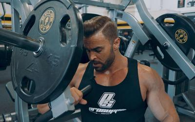 Physique Pro Jason Poston's Chest Workout At The Mecca