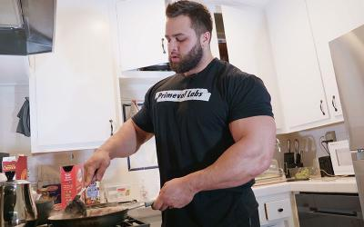 [Video] What Bodybuilders Eat for Breakfast w/ Regan Grimes