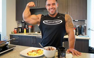 What Bodybuilders Eat For Breakfast w/ Santi Aragon