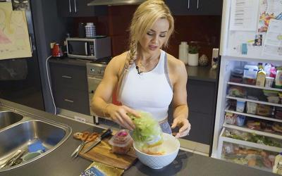 [Video] Full Day of Eating w/ Stephanie Sanzo
