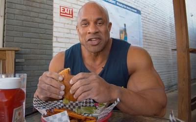 [Video] Cheat Meals with Pro Bodybuilders w/ Victor Martinez