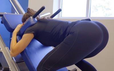 Booty Burner: Courtney King's Full Glute Workout