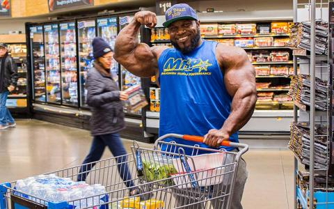 Grocery Shopping with Pro Bodybuilders w/ Akim Williams