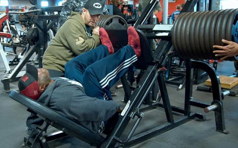 [Video] George Peterson's Heavy Leg Workout at Bev's