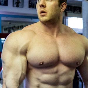 IFBB Pro Chris Tuttle